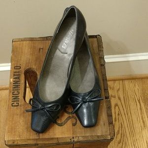 Aerosoles Navy Dress Shoe